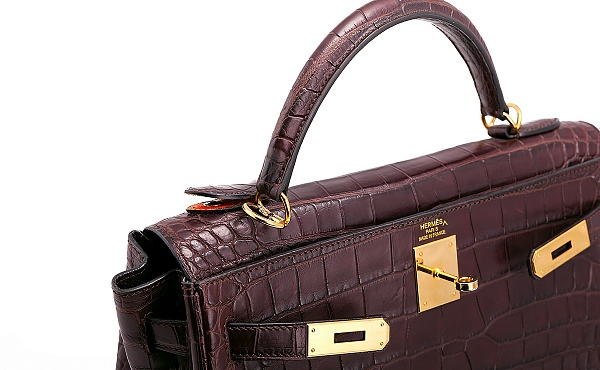 ремонт сумок из кожи крокодила